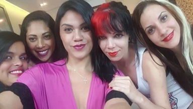 Face Sitting Fuck Face Gang Bang By Five Top Girls And One Slave
