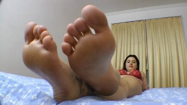 Feet Fight And Game With Face By Monica Lima And Slave Gabyzinha