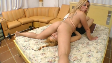 Scissor Domination By Kelly Dias And Slave Isabela