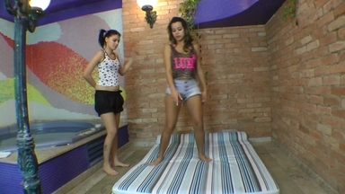 FIGHTING GIRLS / Scissor Cruel Training By Top Model Lola Mello And Slave Fabi