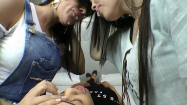KISSING / Hot Kisses And Spitting By Cacau And Kelly Silva Slave Bianca