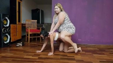 Pony Play Extrem Fat 130 KG Vs Skinny Slave By Samantha Smith And Nina