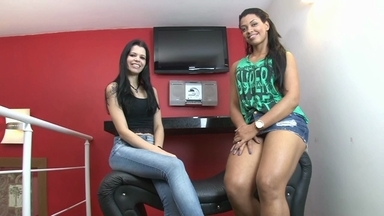 Hot Kisses With Best Girls By Karina Cruel And India Mulan