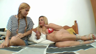 LESBIAN / Pussy Lick And Little Dick Suck By Kelly Dias And Slave Isabela
