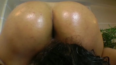 Face Sitting Fuck Face With Oil Butt By Paloma Sanches And Slave Fabi