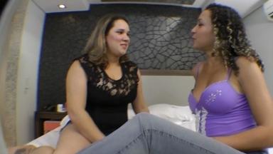 KISSING / Hot Kisses By Jennifer Avila And Fat Girl Fabianne Silva