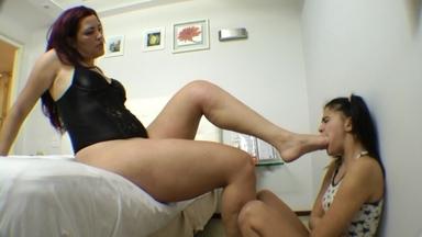 FOOT FETISH / Swallow My Giant Feet Size40 By Giant Dominatrix Adriana Bertolli