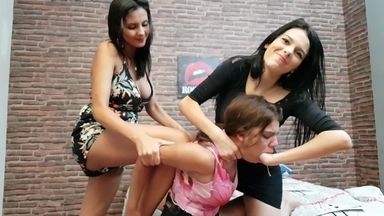 Deep Hands Double Domination By Top Models Flavia Fox And Taisinha And Slave Kiki
