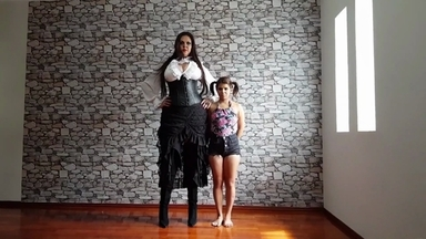 SMOTHER / Extreme Hands By2 Meter Tall Amazon Cintya And Slave Kiki