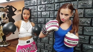 FIGHTING GIRLS / Belly Punching Extreme Fight Arena With2 Top Model Babes