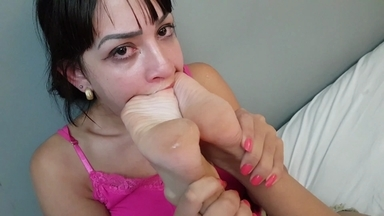 Swallow My Skinny Feet Bitch! By Top Model Alice Nunes And Slave Drika