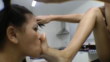 Giant Vs Extra Mini Girl Domination -  Ana Claudia And Mini Mi
