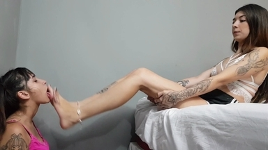 FOOT FETISH / Feet Domination By Bruna Vitalle