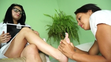 FOOT FETISH / Fetish Psychiatry - Eriquiha And Kitty