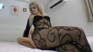 Face Sitting Scratingf Face By Britney Giant And Slave Fabi