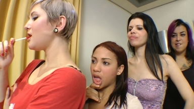 Hot Kisses Fantastic - Lola Mello