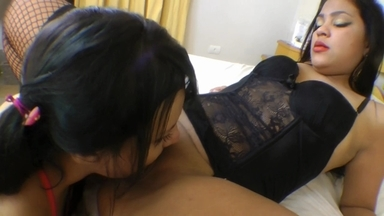 LESBIAN / Domination Ass And Pussy Lick To Cry By Yasmin Alvez And Slave Meg