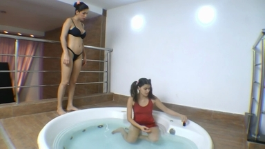 Face Sitting Fuck Face Under Water By Cristiane Fatalle And Slave Fabi