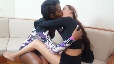 KISSING / Hot Kisses By Nicole Black Panther Giant And Giovana Vamp