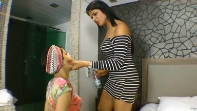 FACE SITTING / Erotic Fuck Face By Juju Gal And Slave Bianca