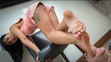 FOOT FETISH / Swallow My Amazing Feet Little Blonde Slave By Top Model Moana And Marilla Castilo