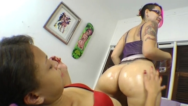 FACE SITTING / Face Sitting- Feel My Big Butt And Ass By Larissa Diel