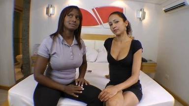 Hot Kisses By Jennifer Avila And Thalita Black
