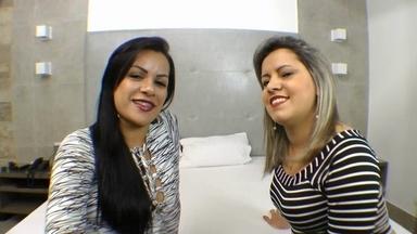 KISSING / Hot Kisses By Kelly Silva And Ana Clara